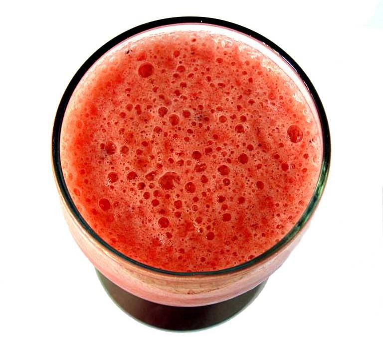 100% SUCCO DI FRUTTA: senza conservanti, ne coloranti ma solo frutta…
