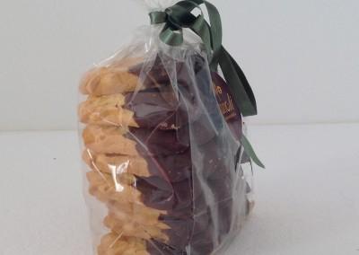 biscotti-fiammiferi-glassa-cioccolato-fondente
