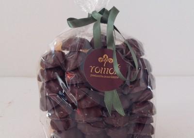 biscotti-fiammiferi-glassati-al-cioccolato-fondente